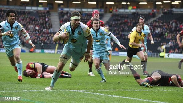 Phil Dowson of Northampton breaks clear to score a try during the Aviva Premiership match between Saracens and Northampton Saints at stadiumMK on...