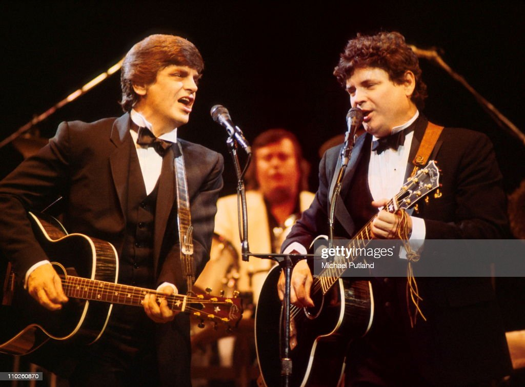 <a gi-track='captionPersonalityLinkClicked' href=/galleries/search?phrase=Phil+Everly&family=editorial&specificpeople=241280 ng-click='$event.stopPropagation()'>Phil Everly</a> and <a gi-track='captionPersonalityLinkClicked' href=/galleries/search?phrase=Don+Everly&family=editorial&specificpeople=226852 ng-click='$event.stopPropagation()'>Don Everly</a>, The Everly Brothers, perform on stage, London, 25th February 1986.