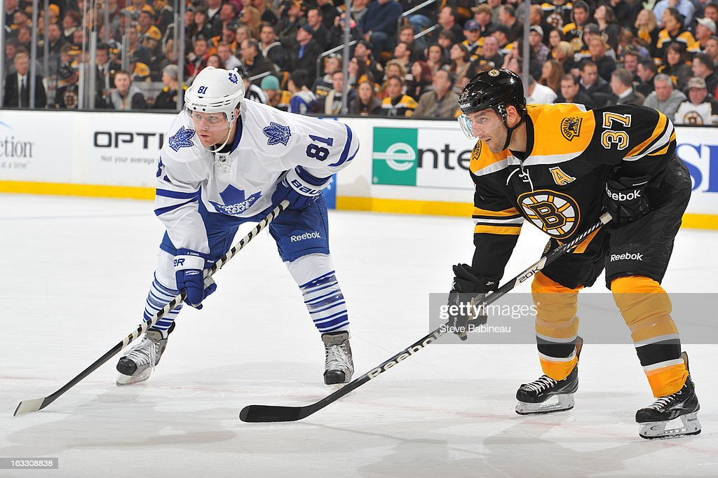 <a gi-track='captionPersonalityLinkClicked' href=/galleries/search?phrase=Phil+Kessel&family=editorial&specificpeople=537794 ng-click='$event.stopPropagation()'>Phil Kessel</a> #81 of the Boston Bruins waits for the face off against <a gi-track='captionPersonalityLinkClicked' href=/galleries/search?phrase=Patrice+Bergeron&family=editorial&specificpeople=204162 ng-click='$event.stopPropagation()'>Patrice Bergeron</a> #37 of the Toronto Maple Leafs at the TD Garden on March 7, 2013 in Boston, Massachusetts.