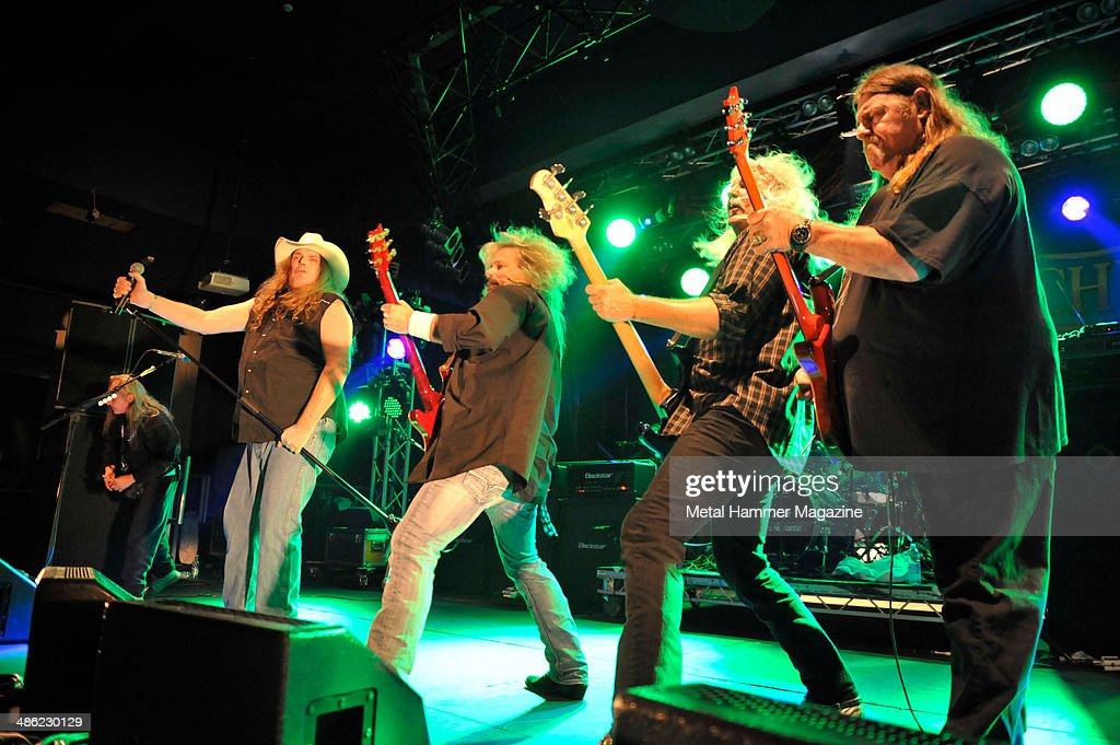 Hard Rock Hell VI : A Fistful Of Rock