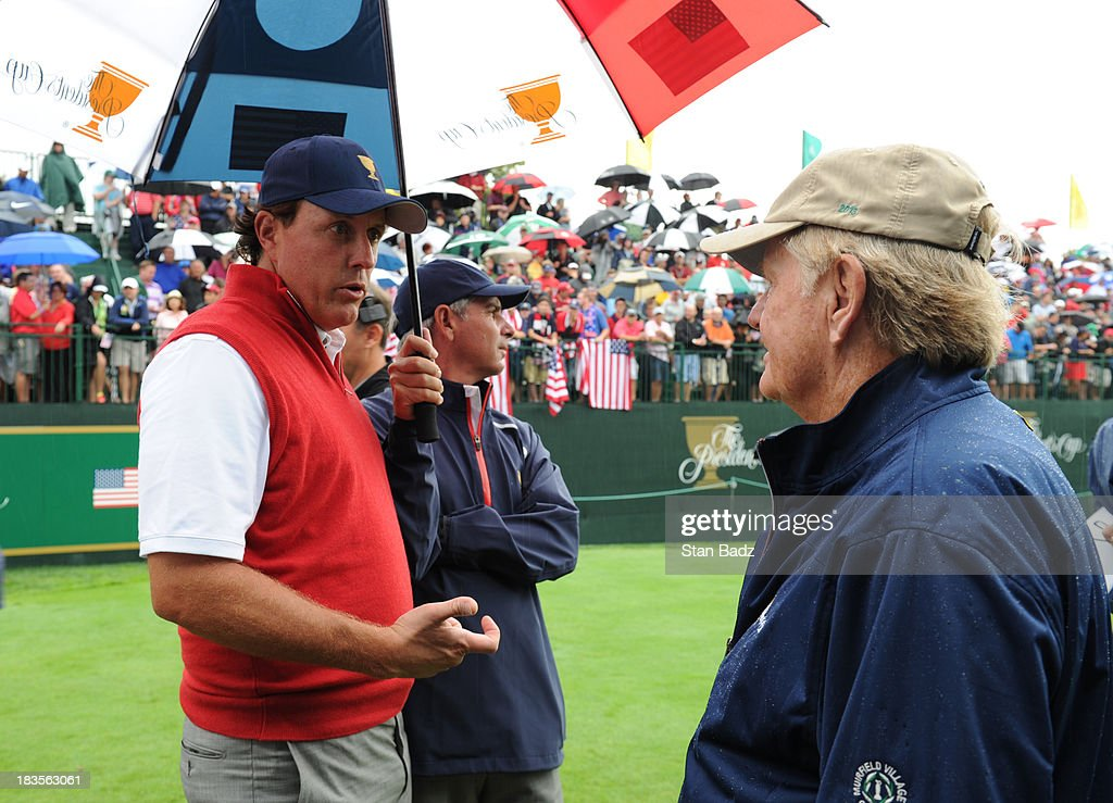 Phil Mickelson of the U.S. Team, U.S. Team captain Fred Couples and Presidents Cup host Jack Nicklaus speak on the first hole during the Final Round Singles Matches of The Presidents Cup at the Muirfield Village Golf Club on October 6, 2013 in Dublin, Ohio.