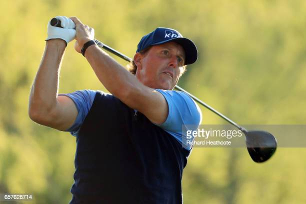 Phil Mickelson tees off on the 3rd hole of his match during round four of the World Golf ChampionshipsDell Technologies Match Play at the Austin...