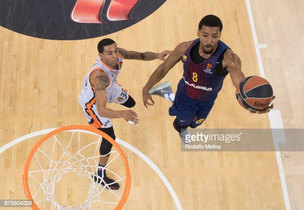 Phil Pressey #8 of FC Barcelona Lassa in action during the 2017/2018 Turkish Airlines EuroLeague Regular Season Round 8 game between FC Barcelona...