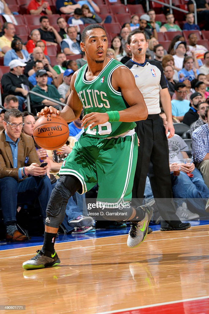 Phil Pressey of the Boston Celtics drives against the Philadelphia 76ers at the Wells Fargo Center on April 14 2014 in Philadelphia Pennsylvania NOTE...