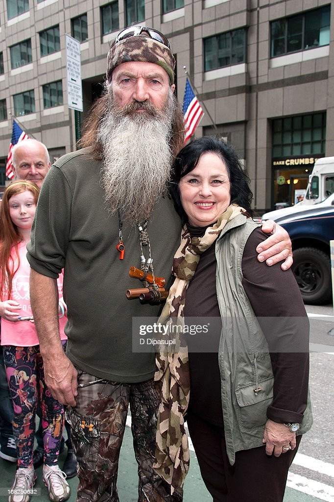 Phil Robertson (L) and Kay Robertson visit 'Extra' in Times Square on May 7, 2013 in New York City.