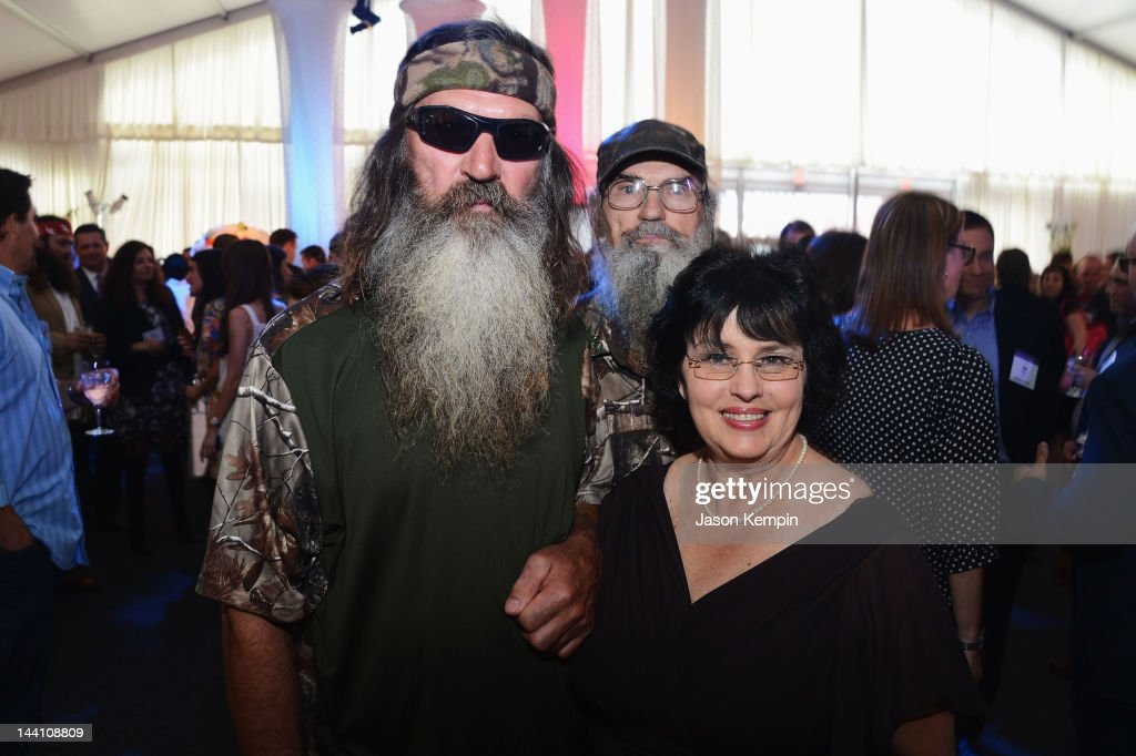 <a gi-track='captionPersonalityLinkClicked' href=/galleries/search?phrase=Phil+Robertson&family=editorial&specificpeople=4043277 ng-click='$event.stopPropagation()'>Phil Robertson</a> and Miss Kay Robertson attend A&E Networks 2012 Upfront at Lincoln Center on May 9, 2012 in New York City.