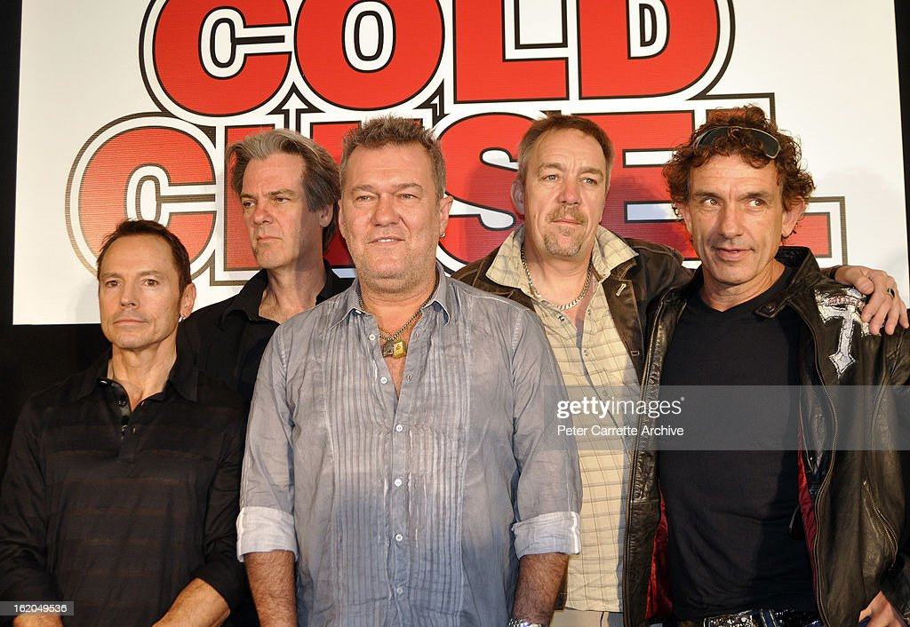 Phil Small Don Walker Jimmy Barnes Steve Prestwich and Ian Moss of the band 'Cold Chisel' attend a press conference at Clovelly Bowling Club to...