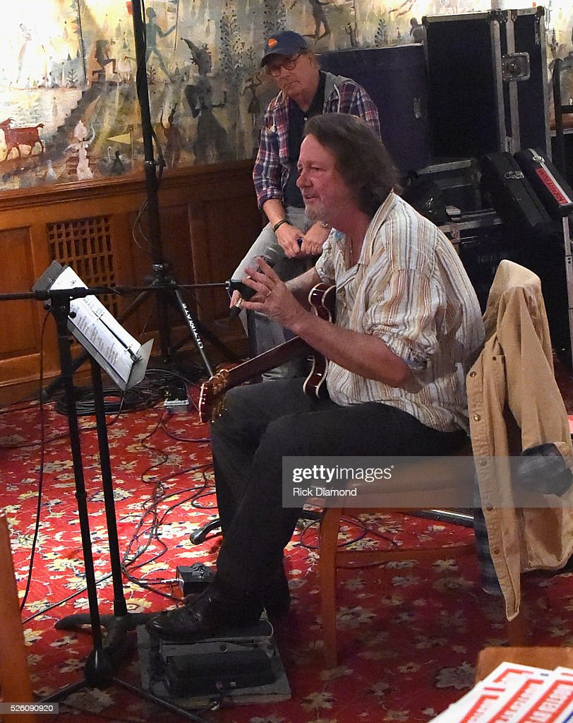 'Phil & the Busters' P.G.A's Buck Williams and featuring Widespread Panic's Singer/Guitarist <a gi-track='captionPersonalityLinkClicked' href=/galleries/search?phrase=John+Bell&family=editorial&specificpeople=239006 ng-click='$event.stopPropagation()'>John Bell</a> rehearse for the White House Correspondents' Jam II presented by Mother Nature Network at The Hamilton on April 29, 2016 in Washington, DC.