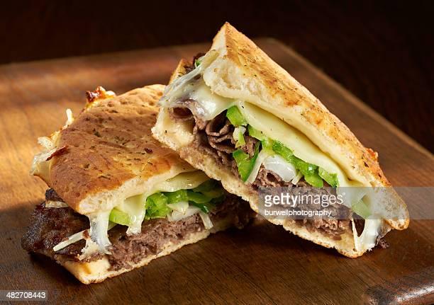フィラデルフィア産チーズステーキ&パニーニ