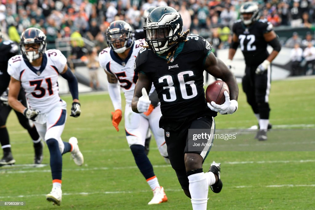 Philadelphia Eagles running back Jay Ajayi #36 breaks to the outside for a long run to the end zone to make the score 30-9 Eagles with 1:20 left in the first half as the Denver Broncos lose 51-23 to the Philadelphia Eagles at Lincoln Financial Field, Philadelphia, PA. November 5, 2017 in Philadelphia, PA.
