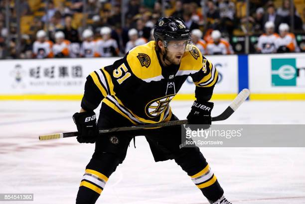 Philadelphia Flyers center Valtteri Filppula waits for the face off during a preseason game between the Boston Bruins and the Philadelphia Flyers on...