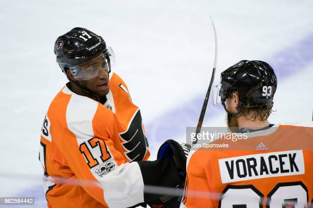 Philadelphia Flyers Right Wing Wayne Simmonds talks with Philadelphia Flyers Right Wing Jakub Voracek in the third period during the game between the...