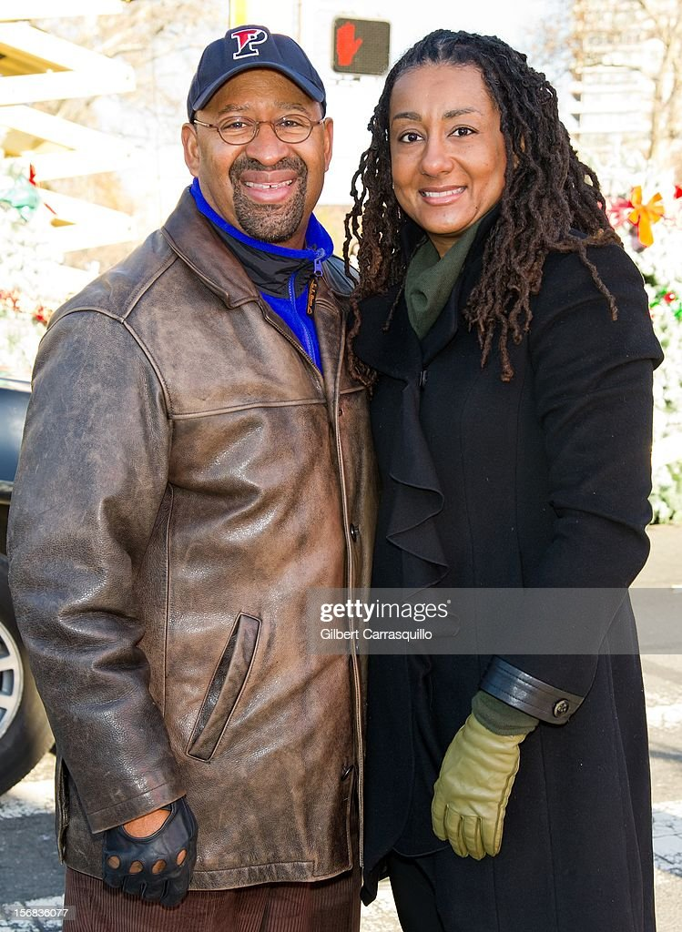 Philadelphia Mayor and president of the United States Conference of Mayors Michael Nutter and wife Lisa Nutter attend the 93rd annual Dunkin' Donuts Thanksgiving Day Parade on November 22, 2012 in Philadelphia, Pennsylvania.