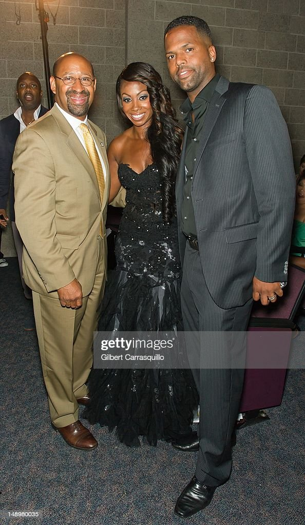 Philadelphia Mayor <a gi-track='captionPersonalityLinkClicked' href=/galleries/search?phrase=Michael+Nutter&family=editorial&specificpeople=4695146 ng-click='$event.stopPropagation()'>Michael Nutter</a>, Radio personality Kendra G and TV personality AJ Calloway attend the American Benefactor Foundation 'I WILL Be Great Leaders' Ceremony honoring Charles Alston at Drexel University on July 20, 2012 in Philadelphia, Pennsylvania.