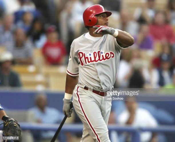 Philadelphia Phillies Bobby Abreu hits first inning home run vs Los Angeles Dodgers Kazuhisa Ishii at Dodger Stadium