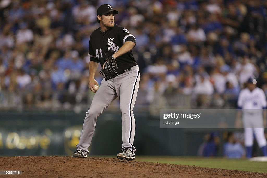 <a gi-track='captionPersonalityLinkClicked' href=/galleries/search?phrase=Philip+Humber&family=editorial&specificpeople=836505 ng-click='$event.stopPropagation()'>Philip Humber</a> #41 of the Chicago White Sox pitches against the Kansas City Royals at Kauffman Stadium on August 18, 2012 in Kansas City, Missouri.