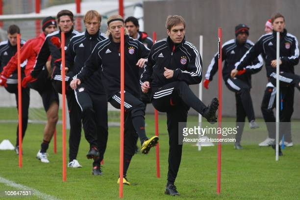 Philipp Lahm Anatoliy Tymoshchuk Andreas Ottl Mario Gomez Hamit Altintop and Thomas Kraft in action during the Bayern Muenchen training session at...