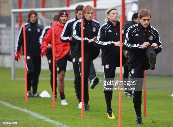 Philipp Lahm Anatoliy Tymoshchuk Andreas Ottl Mario Gomez Hamit Altintop Thomas Kraft and Martin Demichelis in action during the Bayern Muenchen...