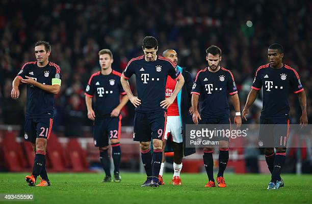 Philipp Lahm Joshua Kimmich Robert Lewandowski Juan Bernat Douglas Costa of Bayern Munich look dejected in defeat after the UEFA Champions League...