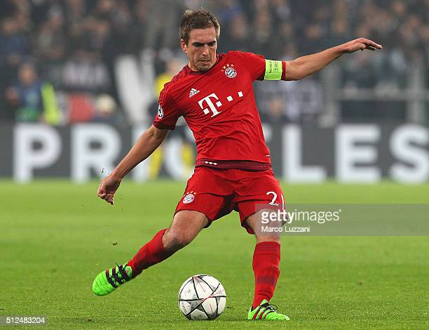 Philipp Lahm of FC Bayern Muenchen in action during the UEFA Champions League Round of 16 first leg match between Juventus and FC Bayern Muenchen at...