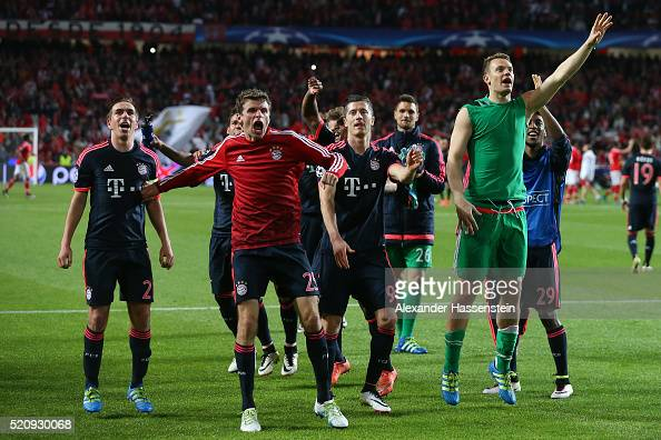 Philipp Lahm Thomas Mueller Robert Lewandowski and Manuel Neuer of Bayern Muenchen celebrate victory after the UEFA Champions League quarter final...