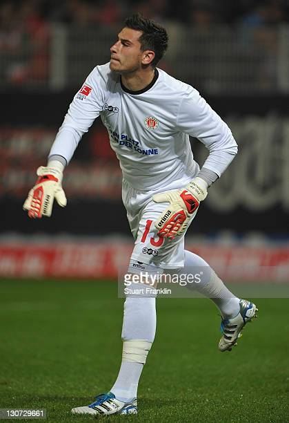 Philipp Tschauner of St Pauli in action during the Second Bundesliga match between 1 FC Union Berlin and FC St Pauli at Stadion An der Alten...