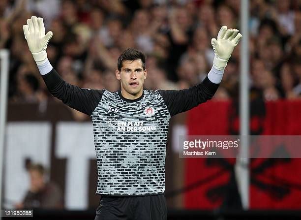 Philipp Tschauner of St Pauli looks on during the Second Bundesliga match between FC St Pauli and MSV Duisburg at Millerntor Stadium on August 22...