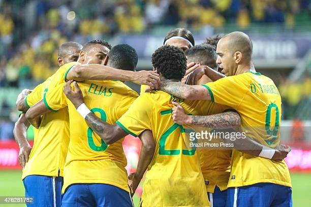 Philippe Coutinho of Brazil celebrates with his teammates after scoring the first goal of his team during a friendly match between Brazil and Mexico...