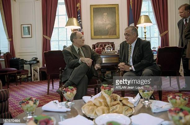 Philippe Seguin Visits New York New York 4 octobre 2000 Philippe SEGUIN candidat officiel du RPR à la mairie de Paris en tournée nordaméricaine du 2...