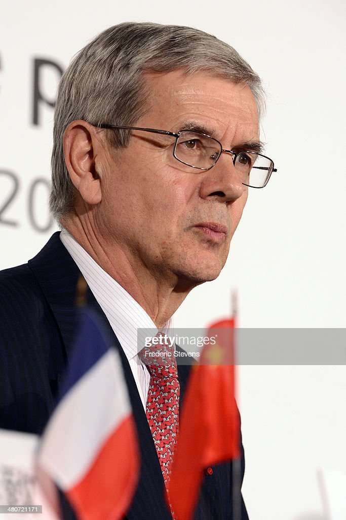 <a gi-track='captionPersonalityLinkClicked' href=/galleries/search?phrase=Philippe+Varin&family=editorial&specificpeople=3954311 ng-click='$event.stopPropagation()'>Philippe Varin</a>, chairman of the PSA Peugeot Citroen, attends a news conference on March 26, 2014 in Paris, France. PSA Peugeot Citroen signed a deal today that calls for China's Dongfeng Motor Group and the French government to acquire 14 percent stakes in Peugeot estimated at $4.17 billion.
