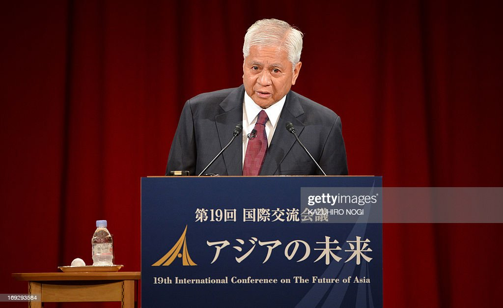 Philippine Foreign Affairs Secretary Albert del Rosario delivers a keynote speech at the International Conference on the Future of Asia, a two-day forum, in Tokyo on May 23, 2013. Albert del Rosario is on a two-day visit to Tokyo.