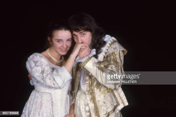 Philippine LeroyBeaulieu et PierreLoup Rajot dans la pièce de théâtre 'L'Avare' mise en scène par Roger Planchon à Paris le 3 mars 1986 France