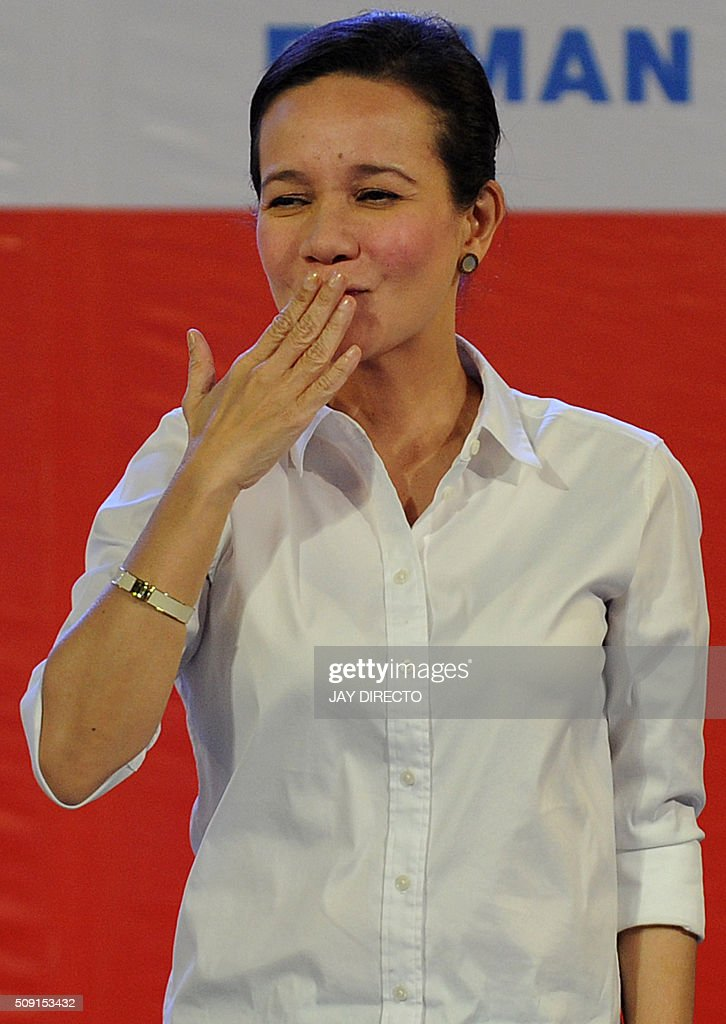 Philippine presidential candidate Grace Poe greets supporters while launching a campaign for the May national elections in Manila on February 9, 2016. A cliffhanger race to lead the Philippines began February 9, with the adopted daughter of a dead movie star and a tough-talking politician who claims to kill criminals among the top contenders. AFP PHOTO / Jay DIRECTO / AFP / JAY DIRECTO