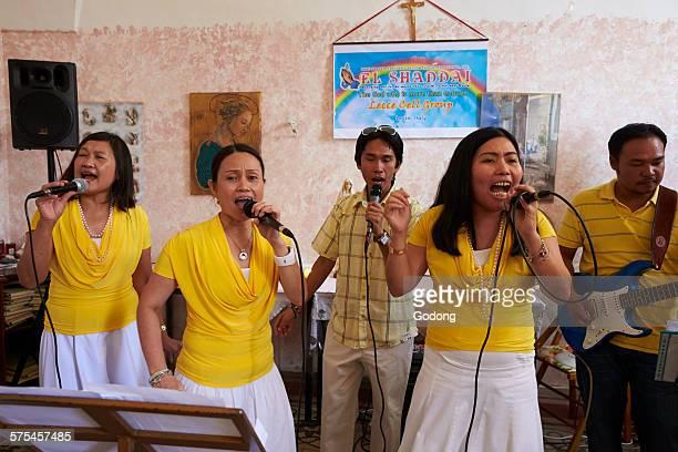 Philippino charismatic catholics