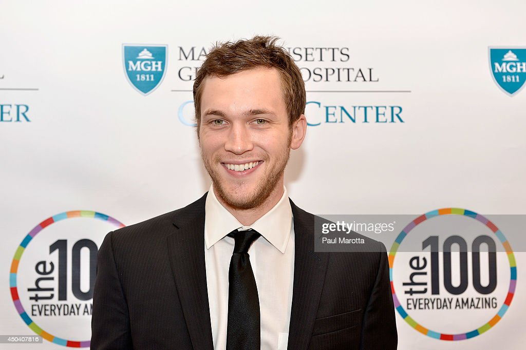 <a gi-track='captionPersonalityLinkClicked' href=/galleries/search?phrase=Phillip+Phillips&family=editorial&specificpeople=1651494 ng-click='$event.stopPropagation()'>Phillip Phillips</a> attends the Mass General Hospital Cancer Center's 7th annual 'the one hundred' Event at the Westin Boston Waterfront Hotel on June 10, 2014 in Boston, Massachusetts.