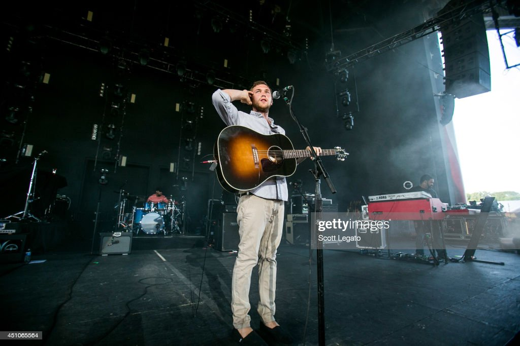 <a gi-track='captionPersonalityLinkClicked' href=/galleries/search?phrase=Phillip+Phillips&family=editorial&specificpeople=1651494 ng-click='$event.stopPropagation()'>Phillip Phillips</a> performs at Freedom Hill Amphitheater on June 22, 2014 in Sterling Heights, Michigan.