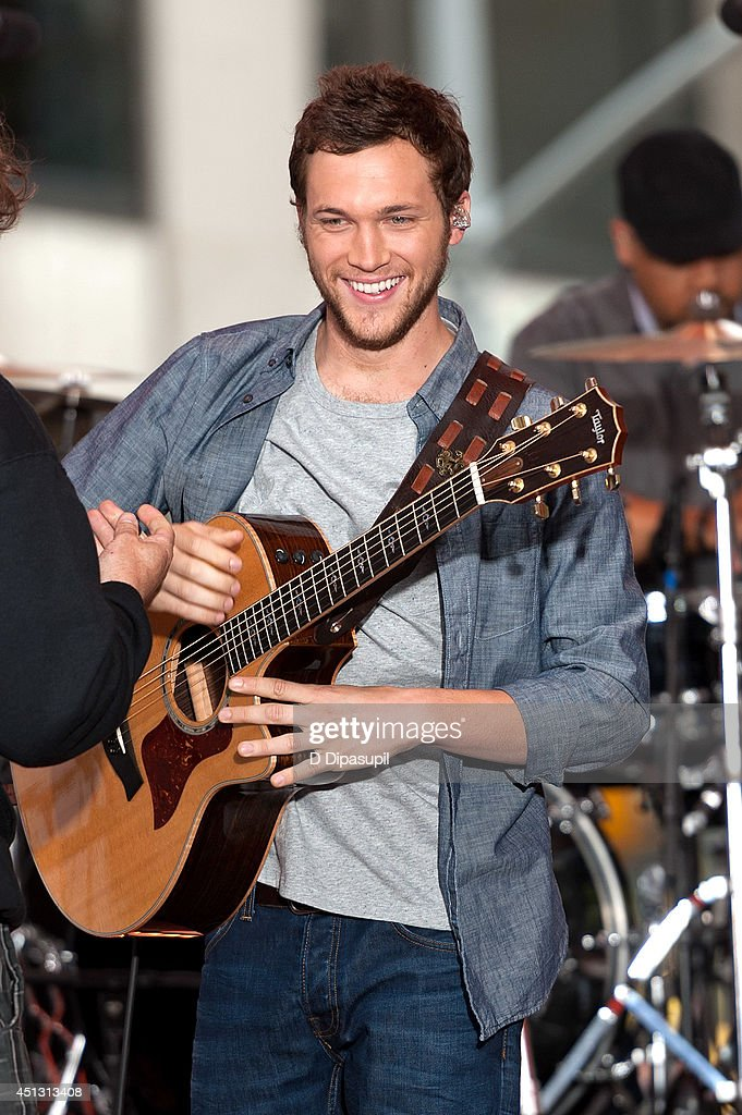 <a gi-track='captionPersonalityLinkClicked' href=/galleries/search?phrase=Phillip+Phillips&family=editorial&specificpeople=1651494 ng-click='$event.stopPropagation()'>Phillip Phillips</a> performs on NBC's 'Today' at NBC's TODAY Show on June 27, 2014 in New York City.