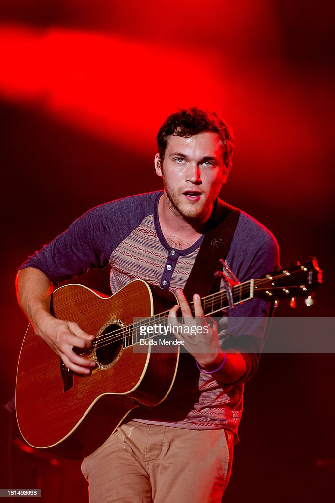 Phillip Phillips performs on stage during a concert in the Rock in Rio Festival on September 21, 2013 in Rio de Janeiro, Brazil.