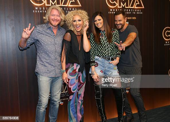 Phillip SweetKimberly SchlapmanKaren Fairchild and Jimi Westbrook of Little Big Town attend a preshow press conference during day 4 of the 2016 CMA...