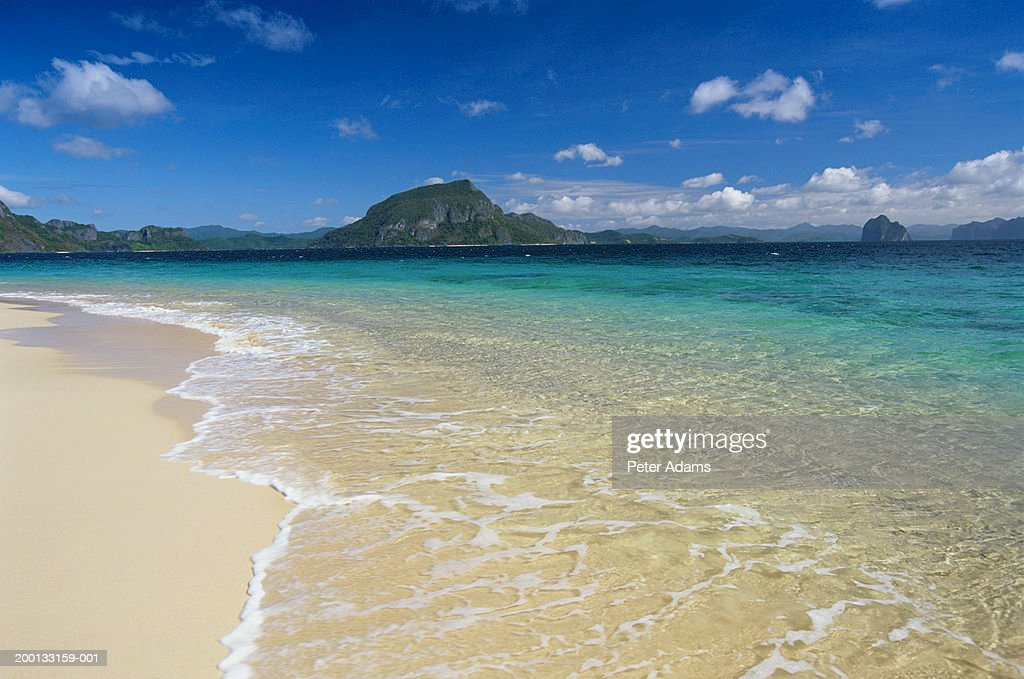 Phillipines, Palawan Island viewed from beach in Bacuit