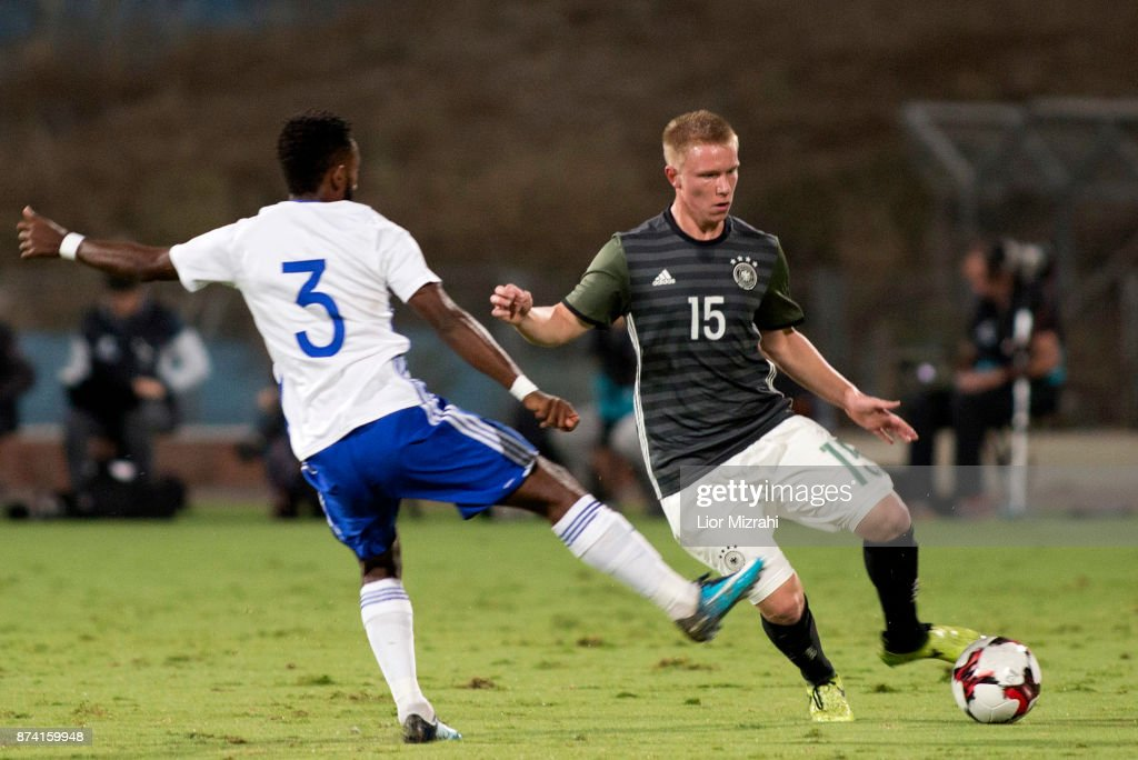 Phillipp Ochs of Germany vies with Or Dasa of Israel during the UEFA Under21 Euro 2019 Qualifier on November 14, 2017 in Ramat Gan, Israel.