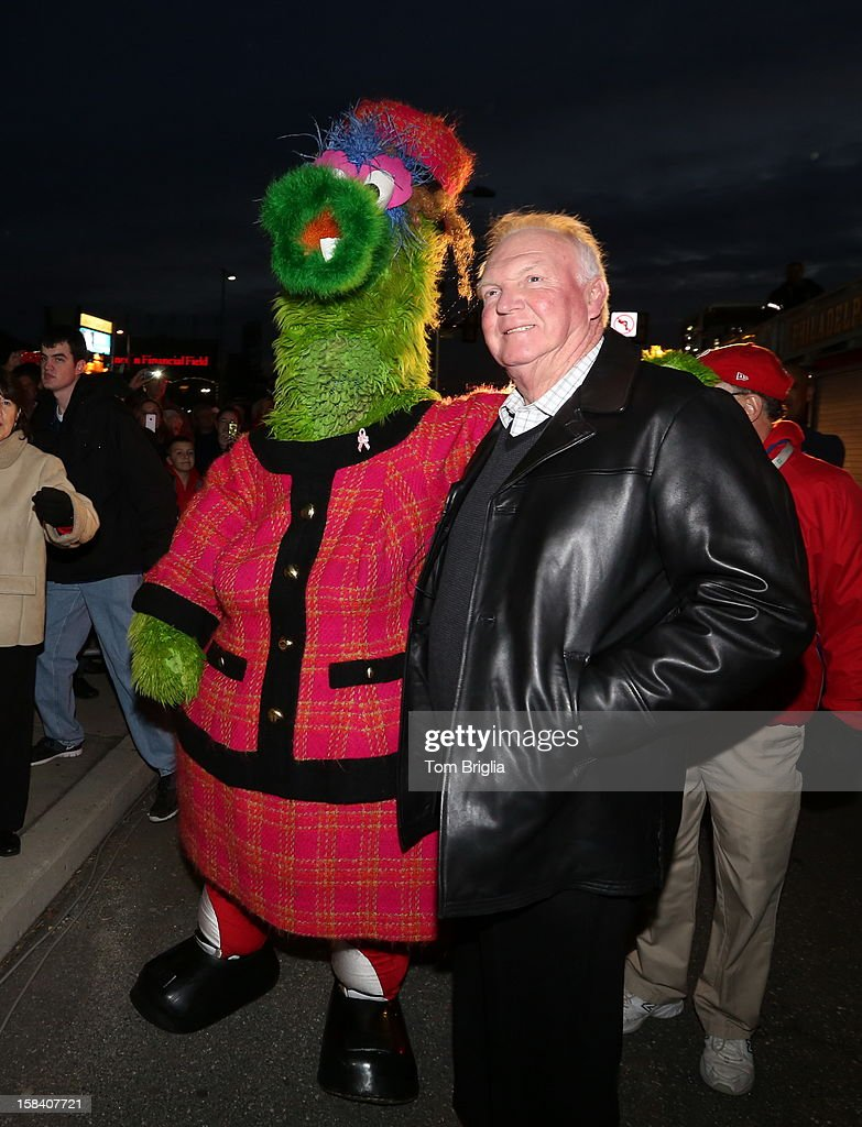 Phoebe Phanatic (L) and <a gi-track='captionPersonalityLinkClicked' href=/galleries/search?phrase=Charlie+Manuel&family=editorial&specificpeople=217967 ng-click='$event.stopPropagation()'>Charlie Manuel</a> attend the Philadelphia Phillies Christmas tree lighting ceremony at Citizens Bank Park on Saturday December 15, 2012 in Philadelphia, Pennsylvania.