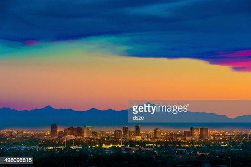 panorama de Phoenix, en Arizona, sur la ville, vue aérienne de cityscape coucher de soleil de Scottsdale
