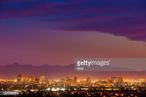panorama de Phoenix, en Arizona, Ville de panorama de nuit du coucher du soleil