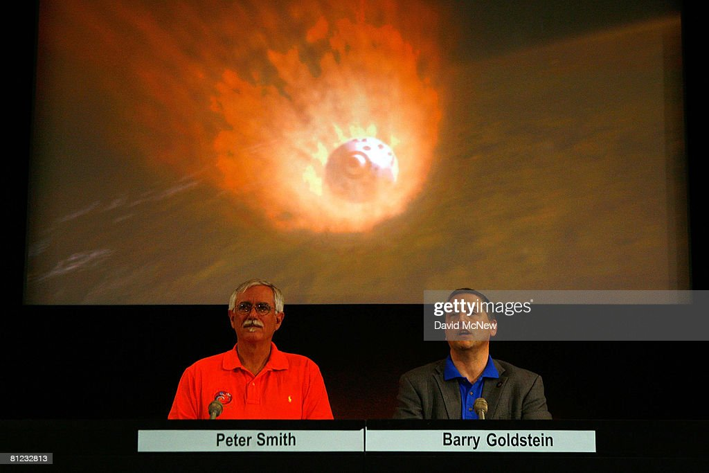 Phoenix principal investigator, University of Arizona, Peter Smith (L) and Phoenix project manager, JPL, Barry Goldstein address a final press conference before an illustrative video of the Phoenix Mars Lander approaching Mars at Jet Propulsion Laboratory (JPL) prior to today's expected landing of NASA's Phoenix Mars Lander on a northern polar region of Mars May 25, 2008 in Pasadena, California. The Phoenix Mars Lander is the newest hope in the search for signs of life on Mars. Fewer than half of the Mars missions have made successful landings. At a cost of $420 million, the Phoenix Mars Lander has flown 422 million miles since leaving Earth in August 2007.