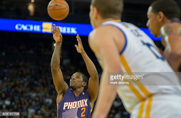 Phoenix Suns Eric Bledsoe take a shot against Golden State