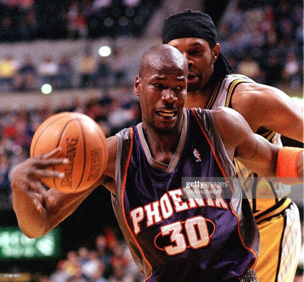 Phoenix Suns forward Clifford Robinson 30 loses