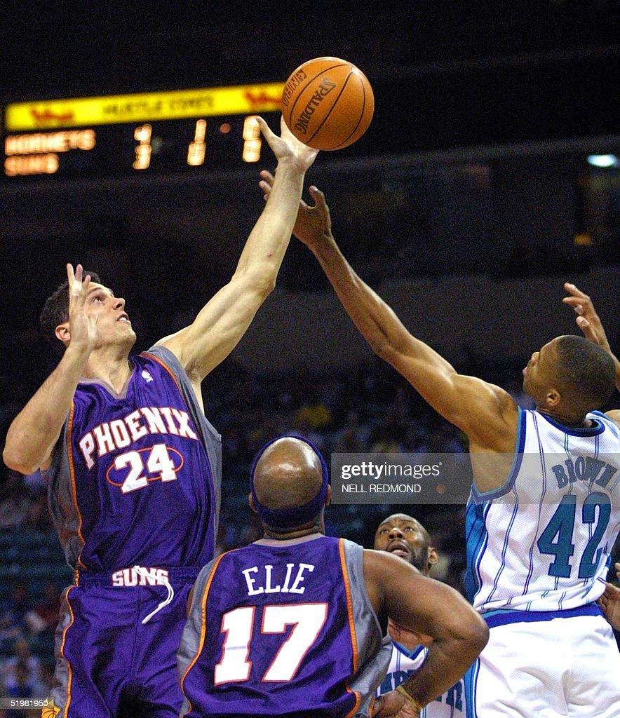 Phoenix Suns forward Tom Gugliotta 24 grabs a