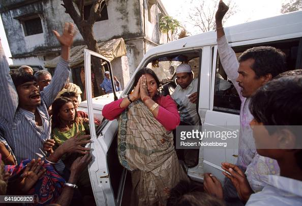 Phoolan Devi India's legendary Bandit Queen campaigns for parliamentary election January 1 1998 in Mirzapur district Uttar Pradesh India Phoolan Devi...