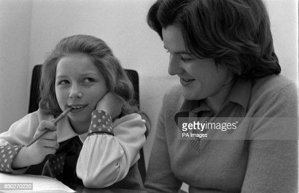 PA Photo 5/4/75 Lena Zavaroni with New Zealander Ellis Gilmer during her school period in Piccadilly Circus London